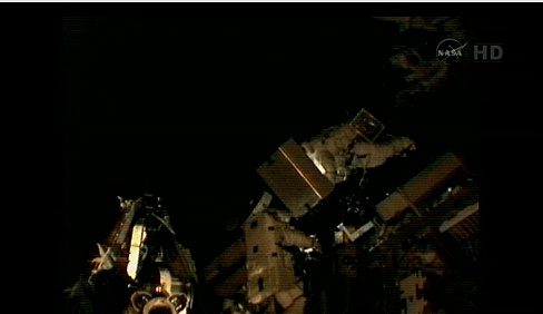 ISS: US-EVA#19 - Opération de secours sur MBSU-1 (05.09.12) - Page 2 Sans_439