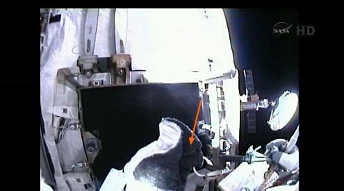 ISS: US-EVA#19 - Opération de secours sur MBSU-1 (05.09.12) - Page 2 Sans_450