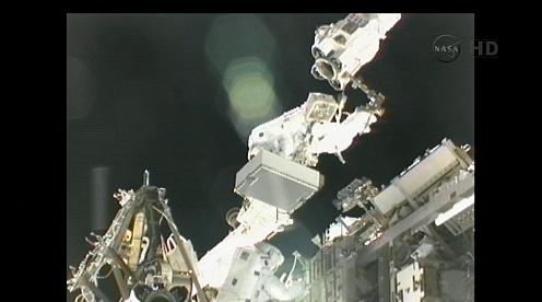 ISS: US-EVA#19 - Opération de secours sur MBSU-1 (05.09.12) - Page 3 Sans_454