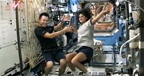 ISS: Expédition 33 (Déroulement de la mission) Sans_487