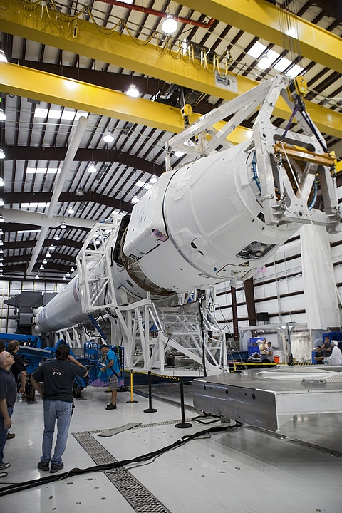 Space X: Lancement de Falcon-9 - CRS-1/SPX-1 07.10.2012 - Page 2 Sans_518