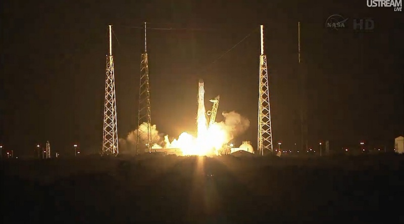 Space X: Lancement de Falcon-9 - CRS-1/SPX-1 07.10.2012 - Page 3 Sans_533
