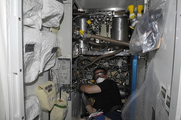 ISS : Expédition 24 - Page 3 Sans_t29