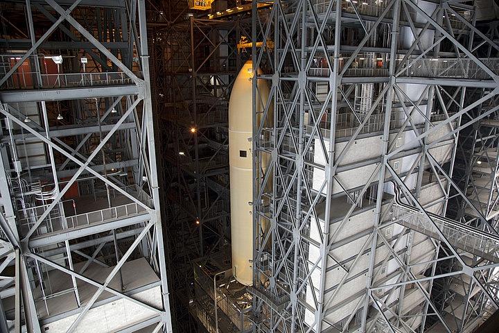[STS-134] Endeavour : Préparatifs lancement le 29/04/2011 - Page 3 Sans_t90