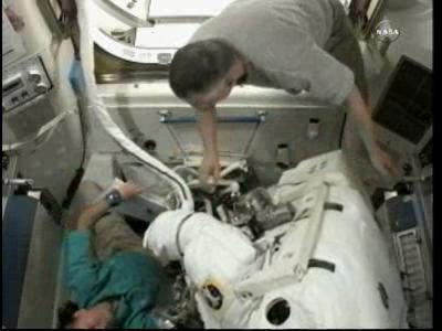 [ISS] Panne + réparation d'un des systèmes de refroidissement  - Page 6 Vlcsn108