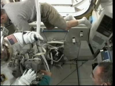 [ISS] Panne + réparation d'un des systèmes de refroidissement  - Page 6 Vlcsn110