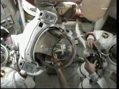 [ISS] Panne + réparation d'un des systèmes de refroidissement  - Page 6 Vlcsn114