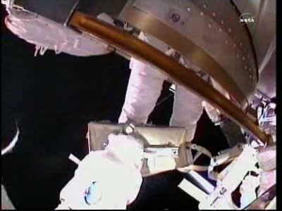 [ISS] Panne + réparation d'un des systèmes de refroidissement  - Page 13 Vlcsn117