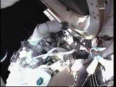[ISS] Panne + réparation d'un des systèmes de refroidissement  - Page 13 Vlcsn118