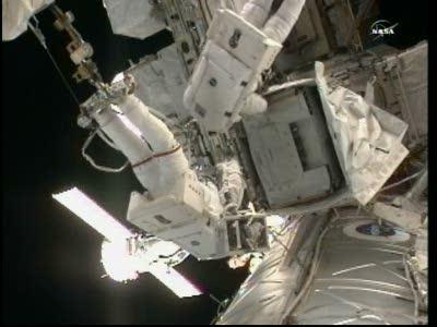 [ISS] Panne + réparation d'un des systèmes de refroidissement  - Page 14 Vlcsn131