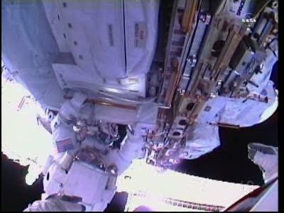 [ISS] Panne + réparation d'un des systèmes de refroidissement  - Page 14 Vlcsn132