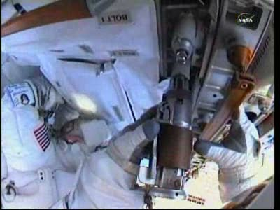 [ISS] Panne + réparation d'un des systèmes de refroidissement  - Page 14 Vlcsn137