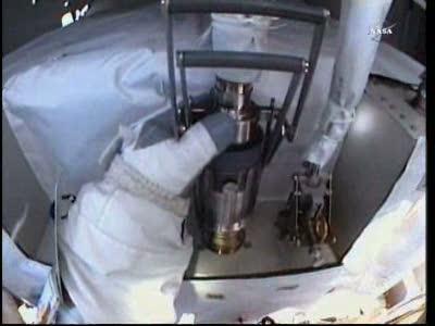 [ISS] Panne + réparation d'un des systèmes de refroidissement  - Page 15 Vlcsn175