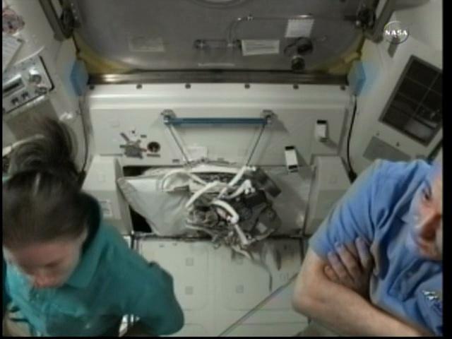 [ISS] Panne + réparation d'un des systèmes de refroidissement  - Page 4 Vlcsna19