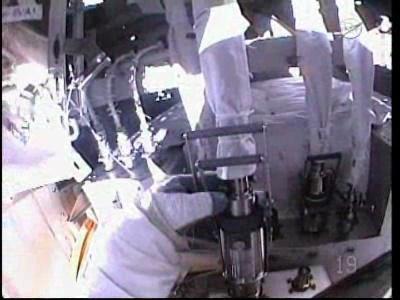 [ISS] Panne + réparation d'un des systèmes de refroidissement  - Page 5 Vlcsna21