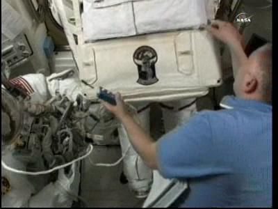 [ISS] Panne + réparation d'un des systèmes de refroidissement  - Page 4 Vlcsna58
