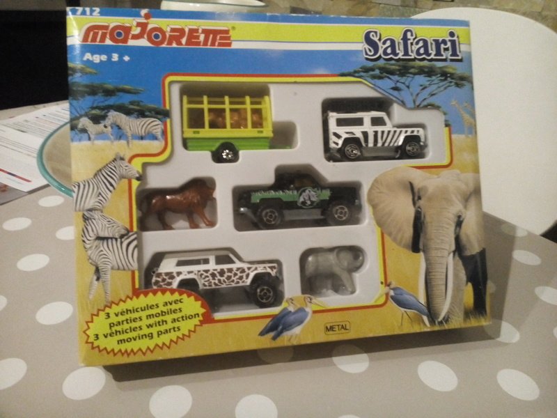 N°712 COFFRET SAFARI  Img_2044