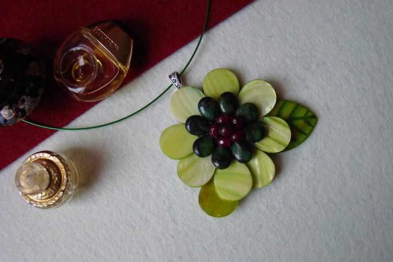 """""""Flori de piatră-Bijoux"""" albumul I-bijuterii artizanale marca Didina Sava - Pagina 2 Colier64"""