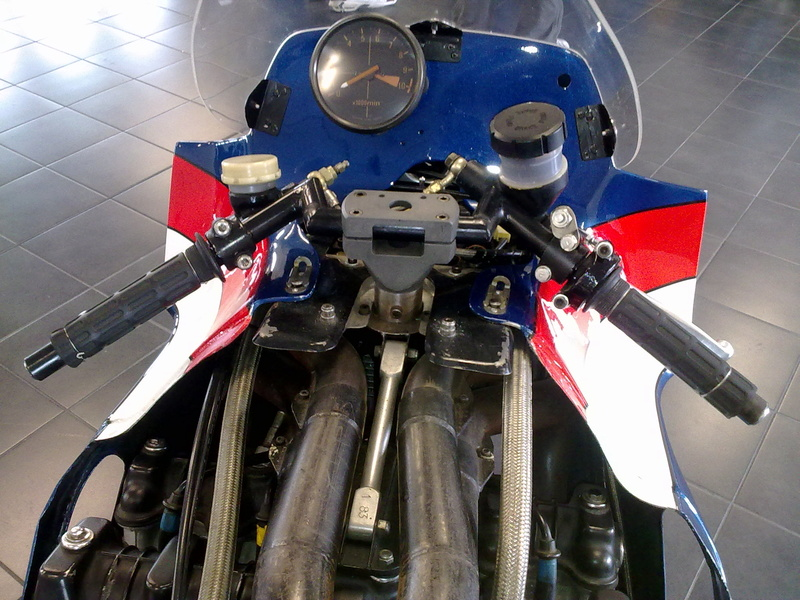 moto ELF 25042014