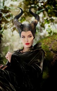 Angelina Jolie avatars 200x320 pixels Angeli10