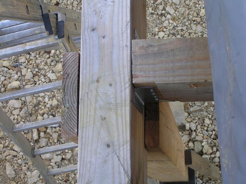 assemblage poteau bois sur bois Pc040215
