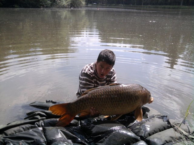 Premier poisson avec ACEBAITS fruity/Crab Antho11