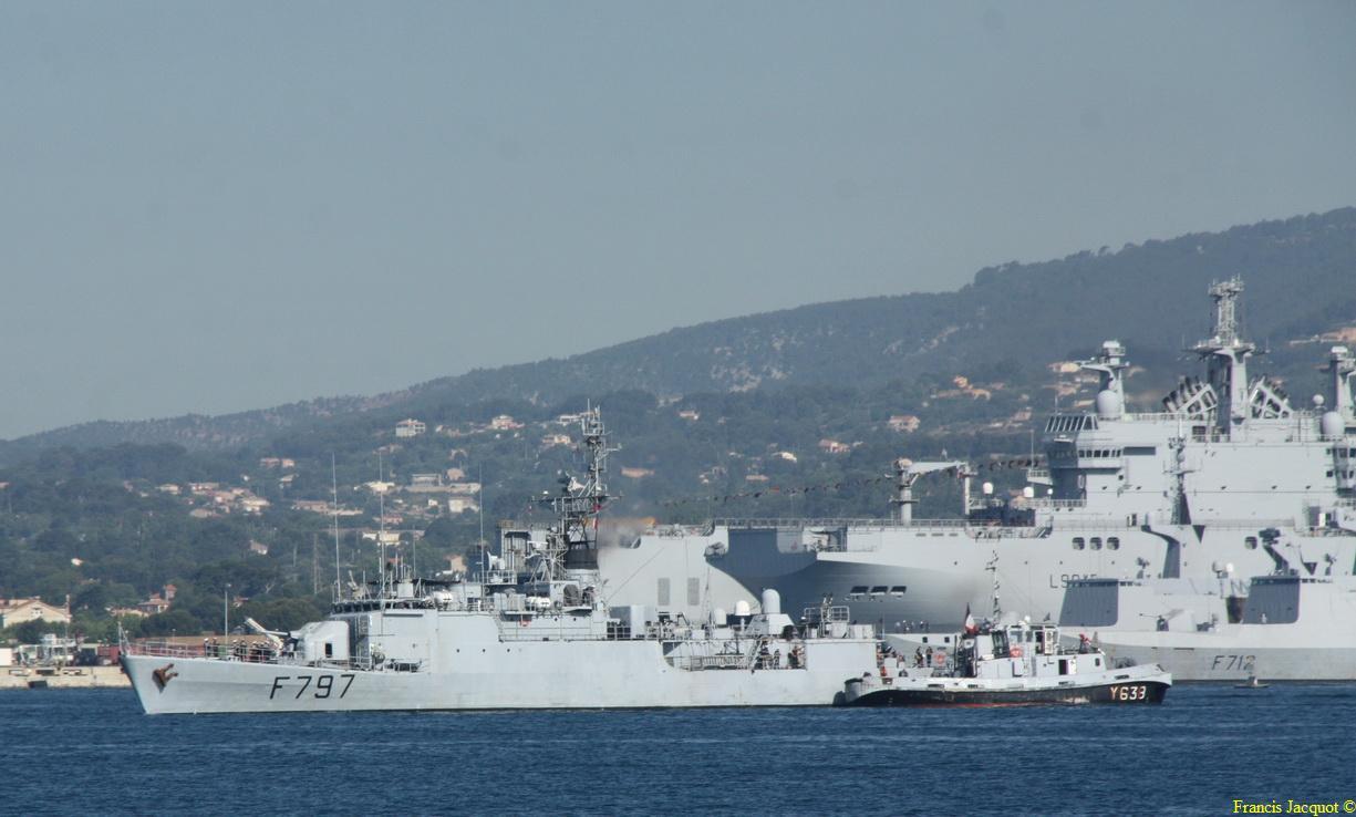 [LES PORTS MILITAIRES DE MÉTROPOLE] Mouvements de Bâtiments dans la rade de Toulon - Page 4 0112