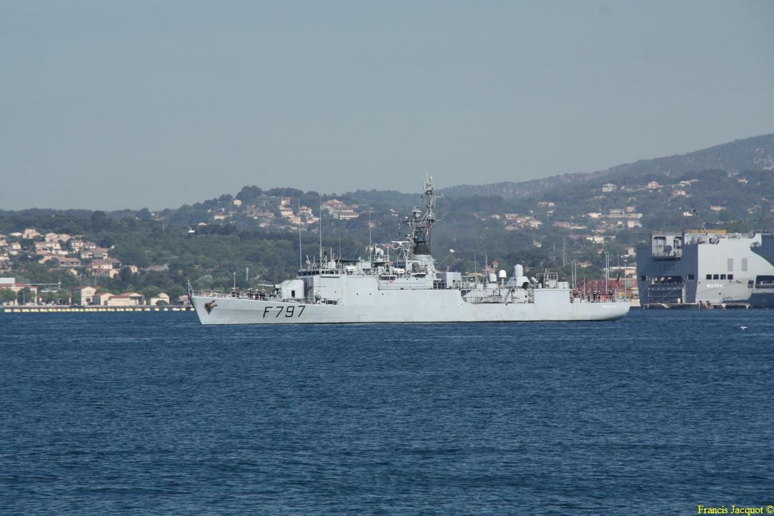 [LES PORTS MILITAIRES DE MÉTROPOLE] Mouvements de Bâtiments dans la rade de Toulon - Page 4 0311