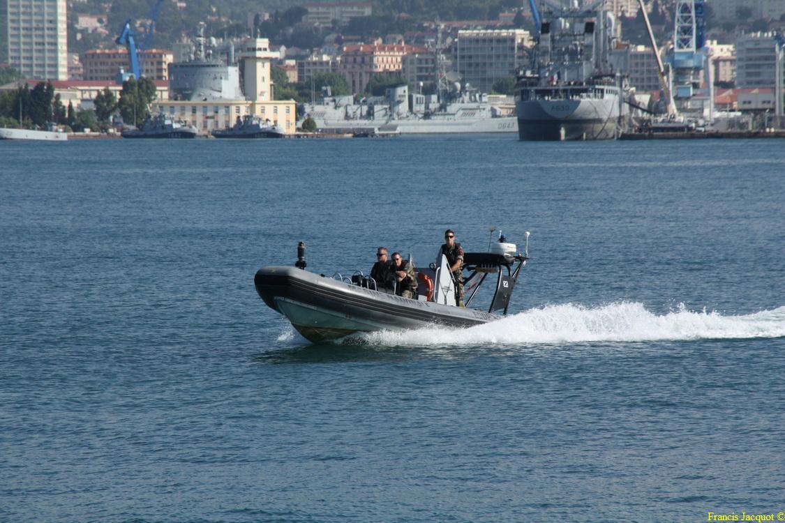 [LES PORTS MILITAIRES DE MÉTROPOLE] Mouvements de Bâtiments dans la rade de Toulon - Page 4 0512