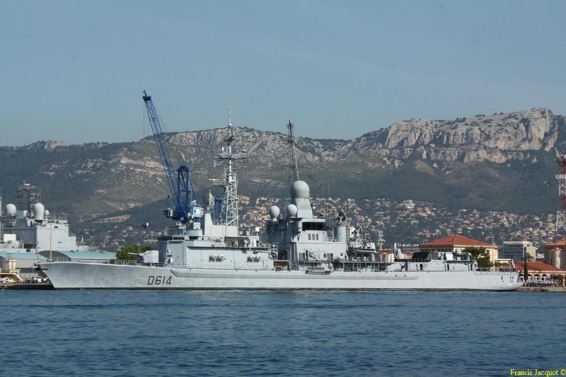 [LES PORTS MILITAIRES DE MÉTROPOLE] Mouvements de Bâtiments dans la rade de Toulon - Page 5 0514