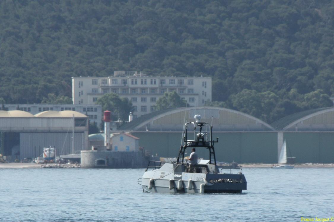 [LES PORTS MILITAIRES DE MÉTROPOLE] Mouvements de Bâtiments dans la rade de Toulon - Page 5 0913
