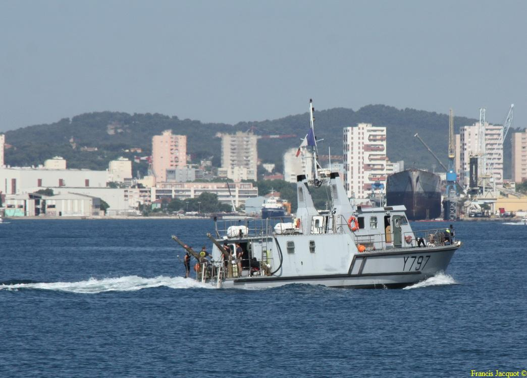 [LES PORTS MILITAIRES DE MÉTROPOLE] Mouvements de Bâtiments dans la rade de Toulon - Page 4 1212