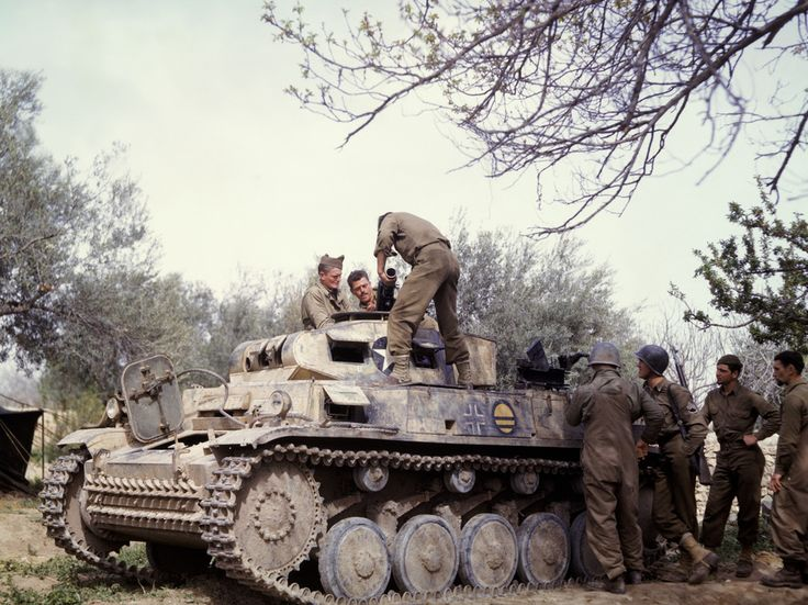 Photos couleurs - Page 5 Panzer12