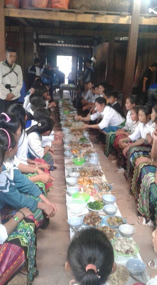Người Công Giáo H, Mông ở Điên Biên Hmoob Kav Tos liv (Catholic) nyob xeev Dien Bien cob tsib teb - Page 2 211