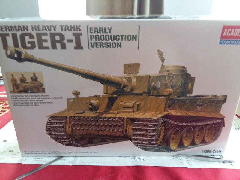 Futur projet Tigre1 Academy 1/35 20161237