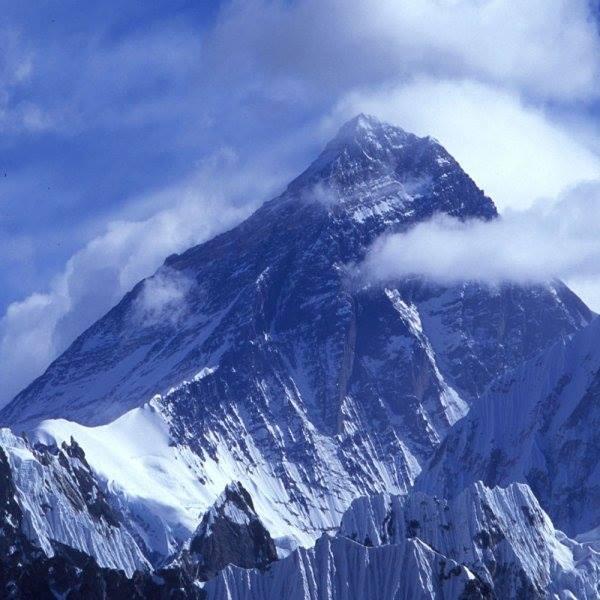 Paysages enneigés de l'Everest Everes10