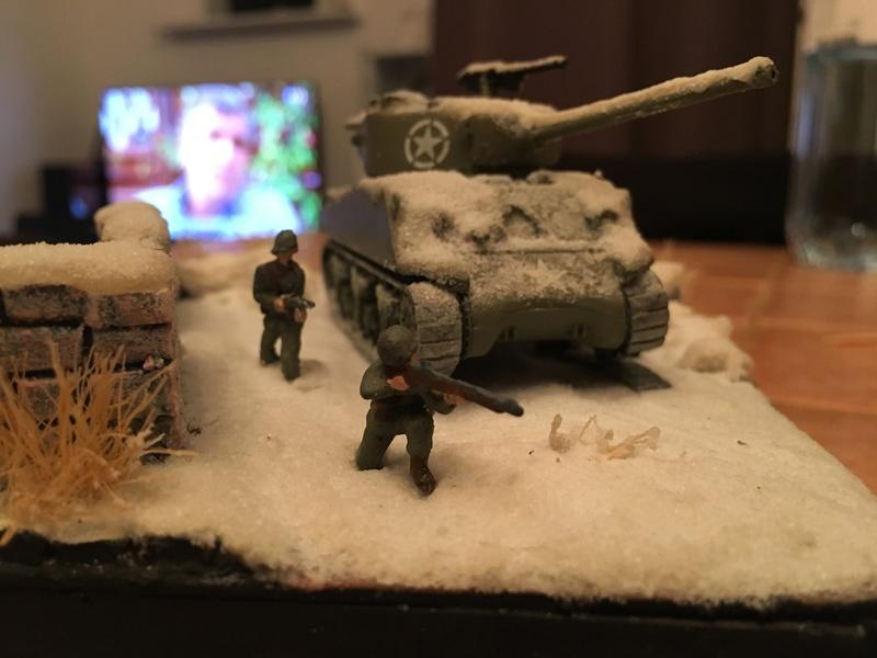Sherman sous la neige 1/72 - Page 2 Img_4711