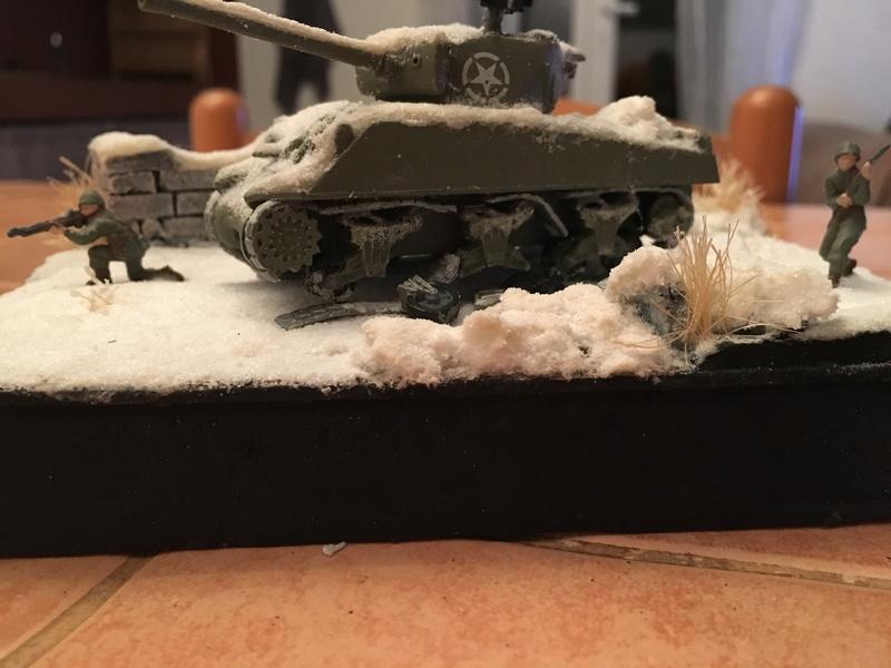Sherman sous la neige 1/72 - Page 2 Img_4713