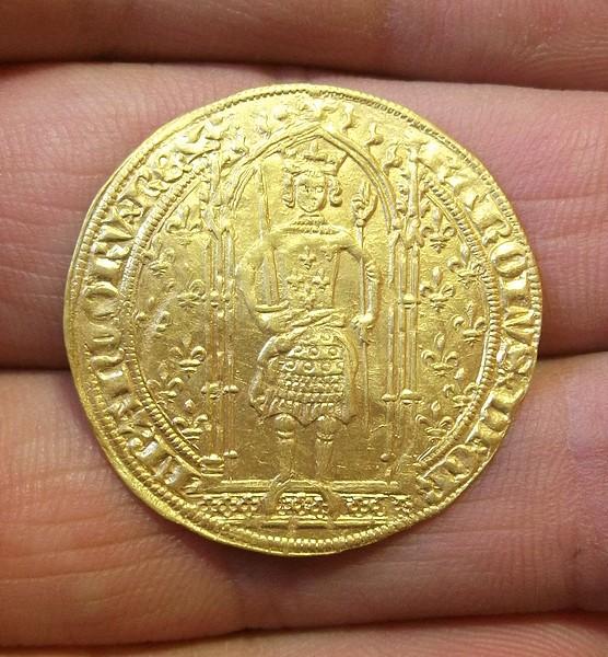 2 monnaies en or à identifier svp Dscf3113