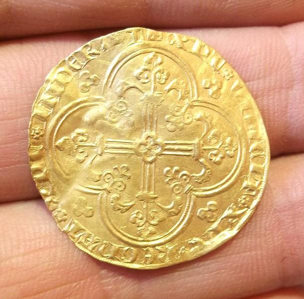 2 monnaies en or à identifier svp Dscf3116