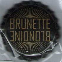 Blondine Brunette aux accents allemands Blondi10