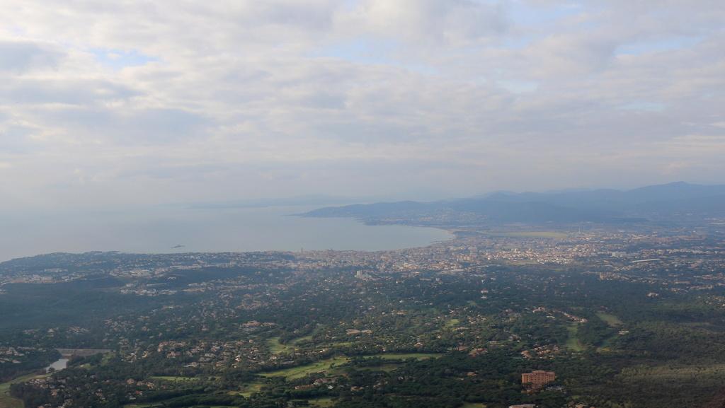 Vol en R44 Lyon-Bron Cannes , 11/02/2017 Img_0355