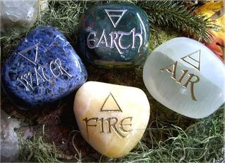 Ésotérisme, paganisme, religions païennes, arts divinatoires... et autres charmes et sortilèges. The4el10