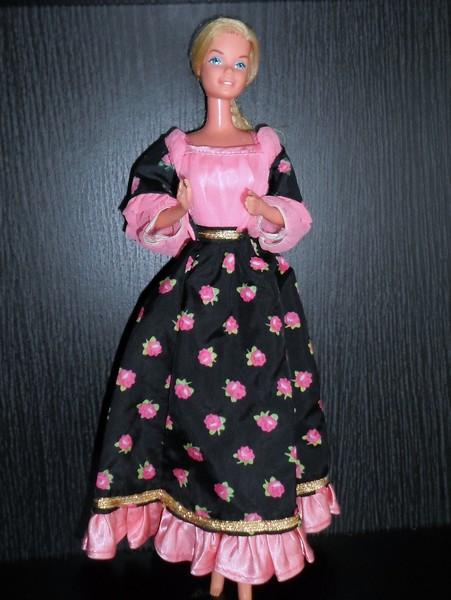 Les Barbie d'Anubislebo - Page 9 Sam_4110