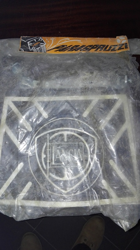 [VENDO] - PARASCHIZZI LANCIA - 60€ Img_2012
