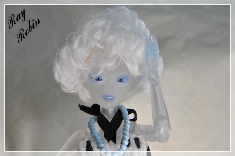 Aurélia Lussi translucide crée par Noya Aureli20