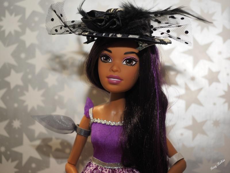 Une Barbie pour Noël - 43 cm articulée Barbie18