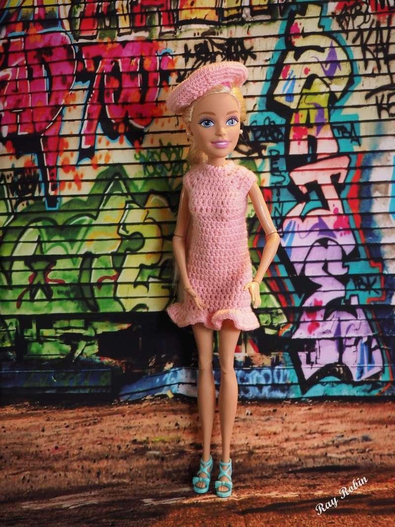Une Barbie pour Noël - 43 cm articulée - Page 2 Barbie20