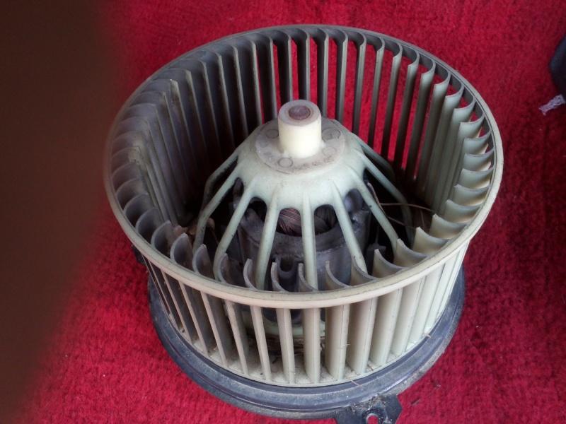 [Tuto] Révision ventilateur habitacle Img14911