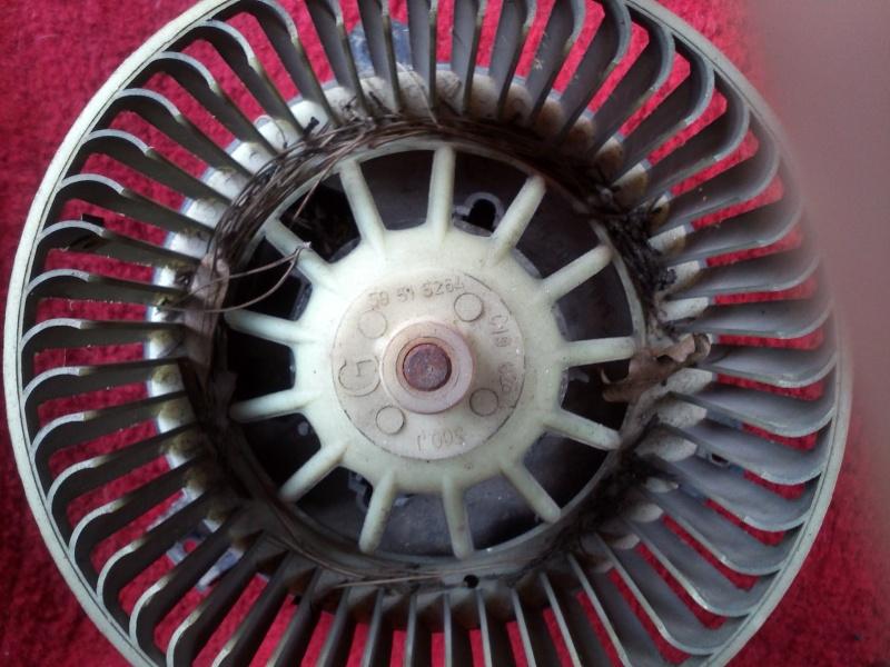 [Tuto] Révision ventilateur habitacle Img15011